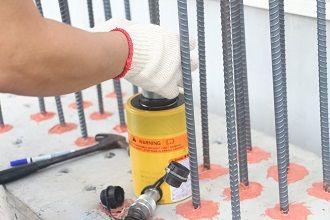 Strength testing of epoxy chemical anchor on wet concrete